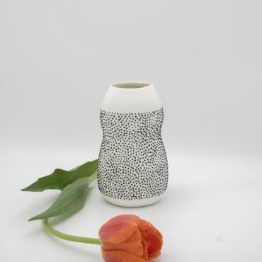 vase black dots 15 cm