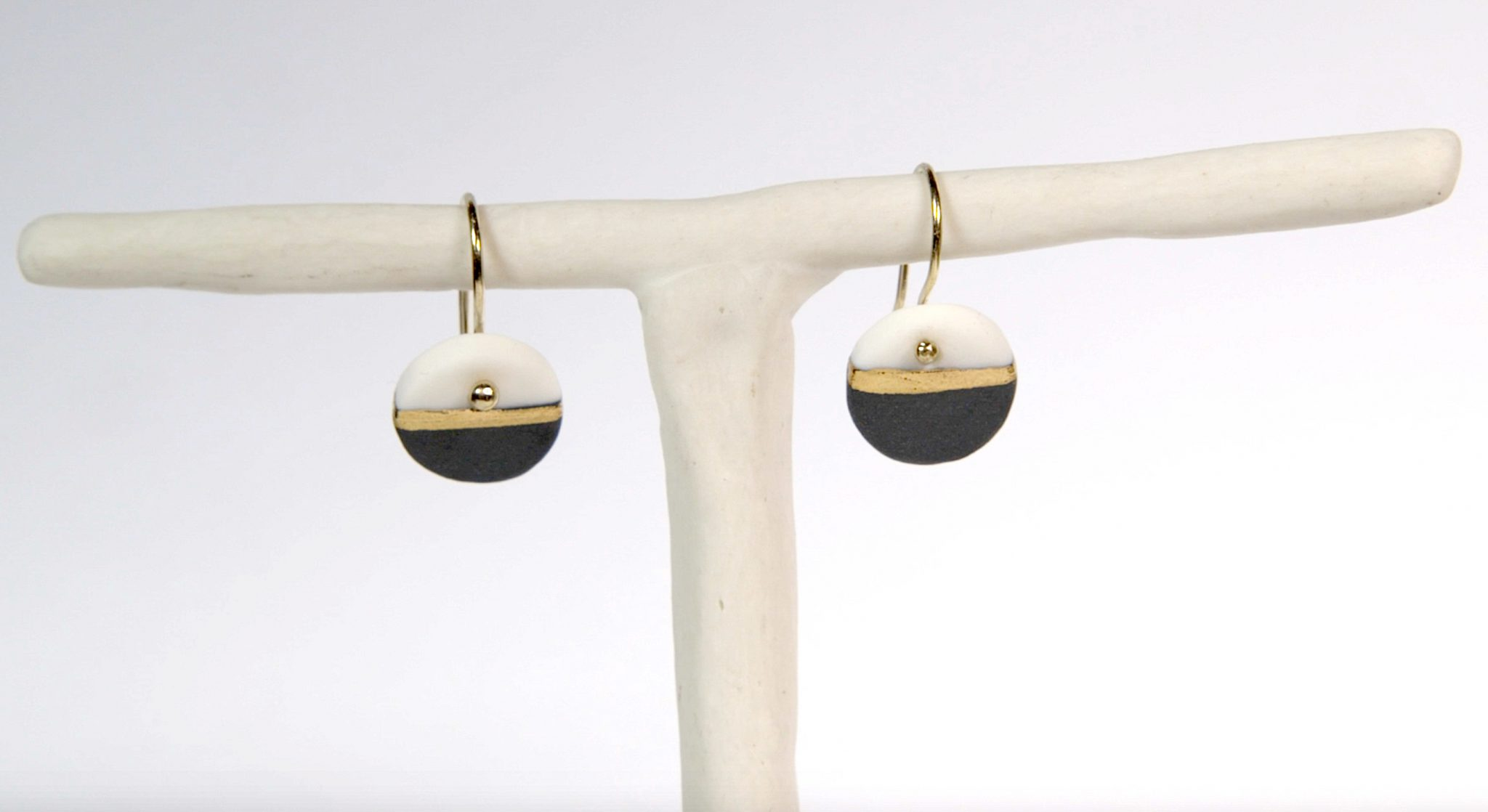 Earrings 'GOLDEN HORIZON' small black&white [E-GH-S-bw]