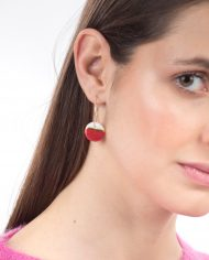 horizon-red-M-hoops-model-web