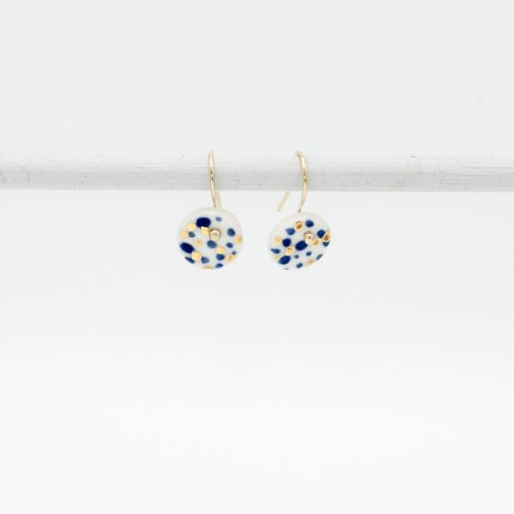 handmade porcelain earrings delft blue spots with golden spots